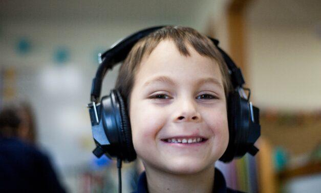 Sæt fut i dit barns læsning med streaming