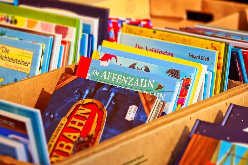 Bøger og sjove brætspil er et hit blandt de mindste