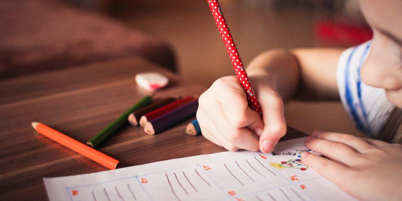 Kontorstol til børn: 2 ting du skal være opmærksom på