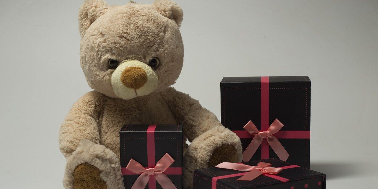 Køb gaver til børnene på Black Friday og spar mange penge